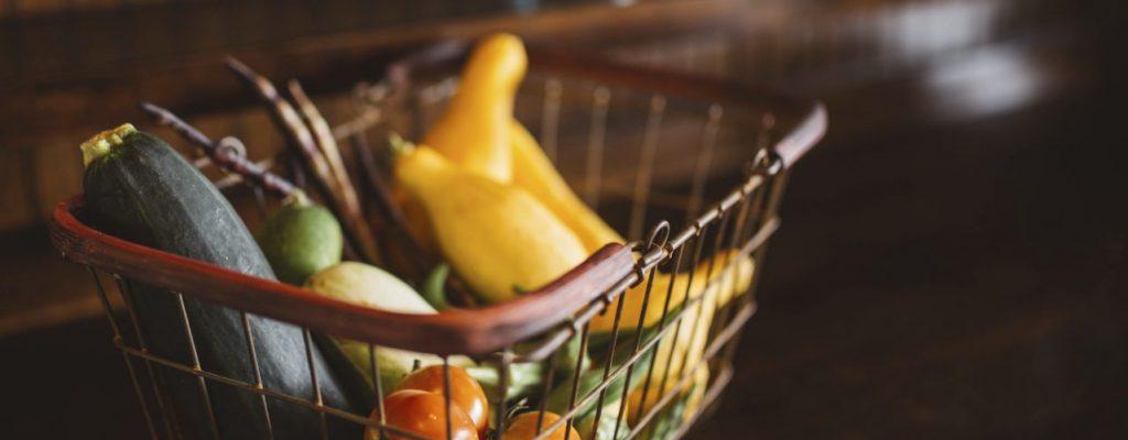 Cudiado com o estoque no supermercado online